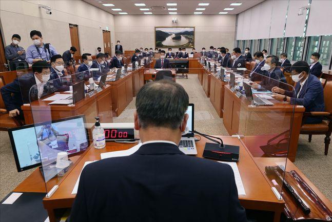 지난달 서울 여의도 국회에서 국회 농림축산식품해양수산위원회 전체회의가 열리고 있다. ⓒ데일리안 홍금표 기자