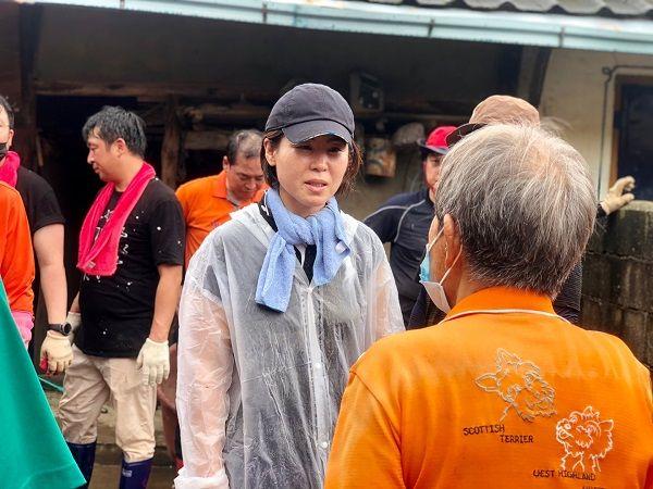 수해를 입은 현장을 직접 찾아 복구에 나섰던 김미애 국민의힘 비상대책위원. ⓒ김미애 의원실