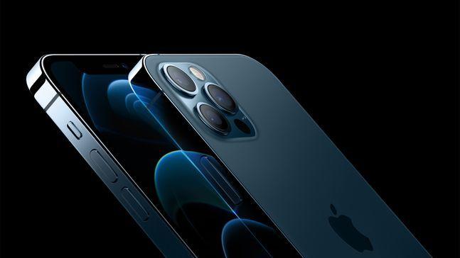 애플 스마트폰 '아이폰12 프로'와 '아이폰12 프로 맥스'.ⓒ애플