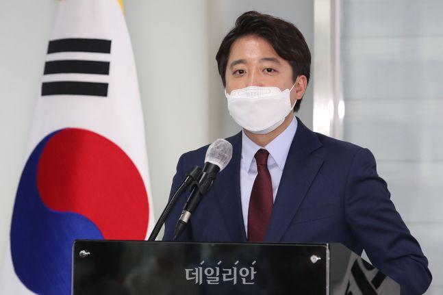 이준석 전 최고위원이 지난 20일 오후 서울 여의도 국민의힘 당사에서 당대표 출마 선언을 하고 있다. ⓒ데일리안 류영주 기자