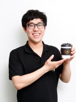 """[비즈&피플]""""커피 팔아서 한국 영화 산업 막힌 모세혈관 뚫겠다"""""""