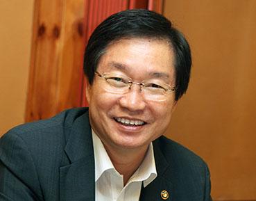 [기고]임기택, 한국인 IMO 사무총장 취임에 즈음하여