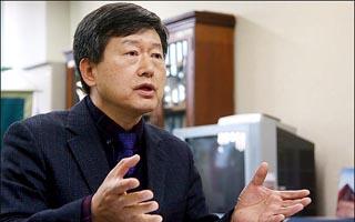 """[인터뷰] 대통령 리더십...""""박근혜, 권위적 비밀주의가 화(禍) 불렀다"""""""