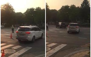 [단독]문재인 벌써 '황제의전'?…경찰 앞세워 중앙선 침범
