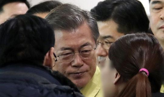 문 정부 '세월호 트라우마'가 화마의 공포를 이기다?
