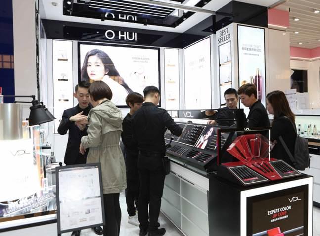 글로벌 화장품 모여든 中본토시장…스킨케어·고급 브랜드 '최다'