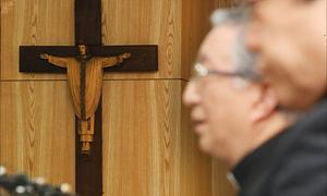 천주교 성폭력 사태 사과하는 김희중 대주교