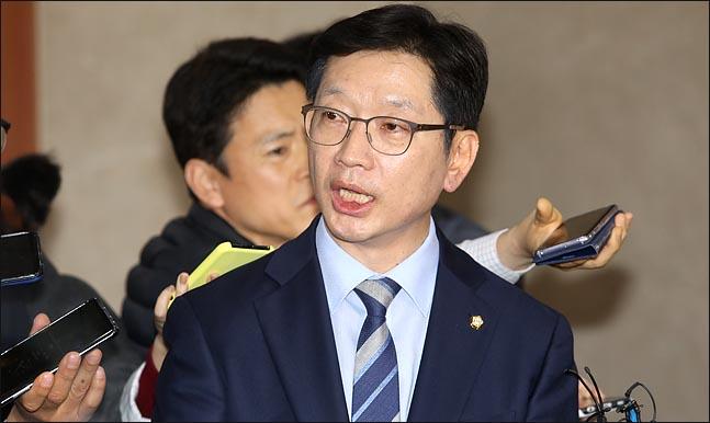TV조선과 김경수 의원의 엇갈린 운명