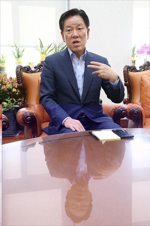"[D-폴리talk ③] 주승용 ""민주당, 야당 때 그렇게 개헌하자더니"""