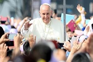 프란치스코 교황 초청한 김정은, 北 종교의 자유 있다? 없다?