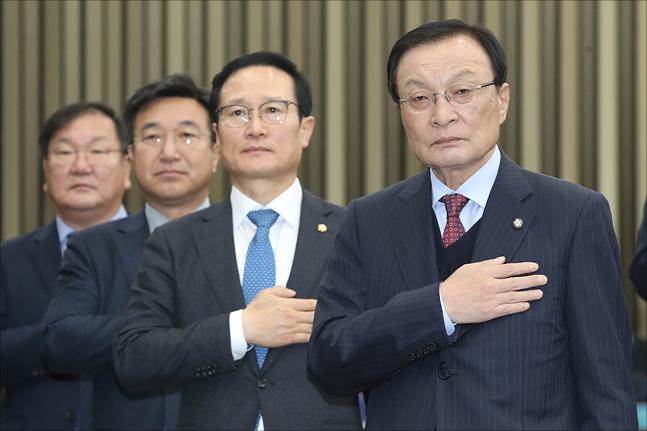 민주당, 27일 의총서 선거제도 개편 당론 정하나