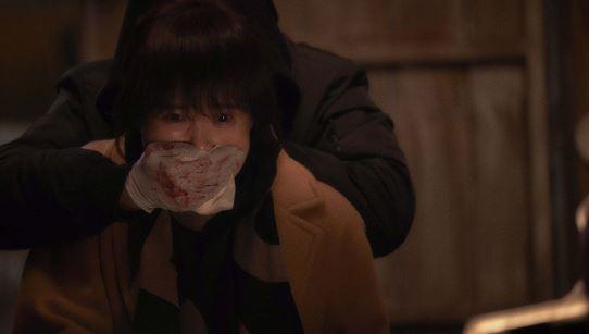 '붉은 달 푸른 해' 김선아, 정체불명에 피습 '충격'