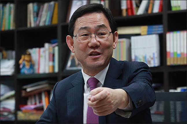 """[당권주자 연속인터뷰] 주호영 """"文지지율 하락, 오히려 우리 당의 독"""""""