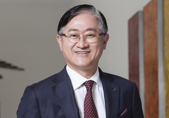 """[CEO가 뛴다-33] 서경배 아모레퍼시픽 회장 """"지금이 혁신할 절호의 기회"""""""