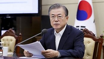 '조국 파장'에 文대통령 지지율 하락 46.1%...부정평가 47.9%