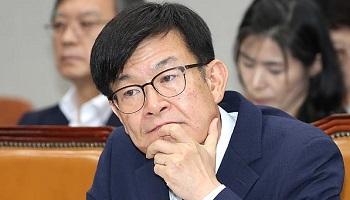 """김상조, 조국 딸 논문 논란에 """"당시엔 불법 아냐"""""""