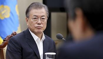 文대통령, 국정지지 부정평가 51.2% 취임후 '최고'…'조국' 후폭풍