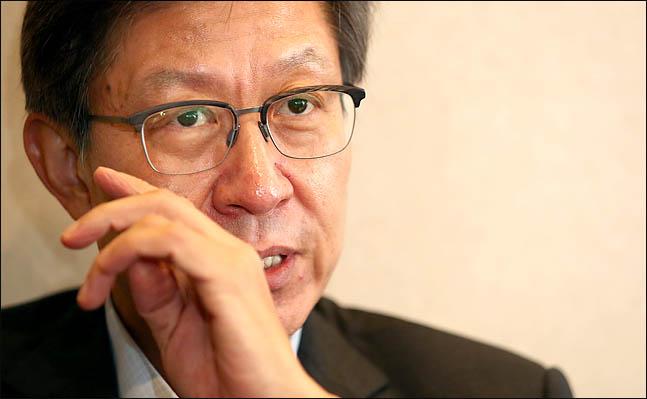 """[인터뷰] 박형준 """"중도층, 한국당에 매력 못 느껴…통합 안하면 공멸"""""""