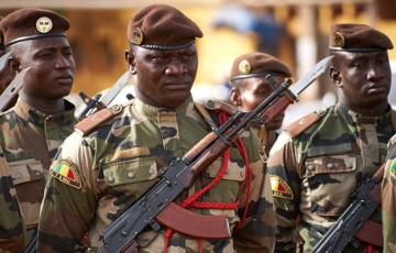 아프리카 말리서 'IS 배후' 테러로 군인 50여명 사망