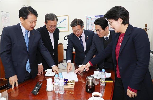 심상정·정동영 살리는 '권역별 비례제+석패율제'