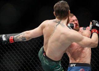 [UFC] '슈퍼스타 DNA' 맥그리거, 세로니 앞에서 헤드킥 작렬