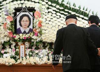 [데일리안 여론조사] 文정권 추진 北개별관광, 반대 46.4%