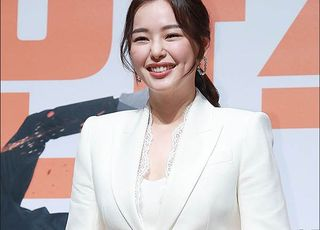 이하늬 사과, 봉준호 '기생충' 축하 인증샷 삭제…왜?