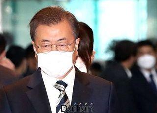 정치성향 결집?…文대통령 지지율 44.1% 3주째 횡보