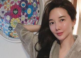 장미인애, 정부 비판하더니 돌연 은퇴 선언