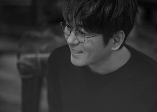 """[D:인터뷰] 신승훈 """"음악과 나의 매개체인 멜로디, 대중엔 위로됐으면"""""""