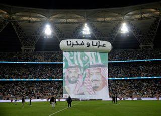 [머니볼] 뉴캐슬 인수하려는 사우디 왕가, 갑부 구단주는?
