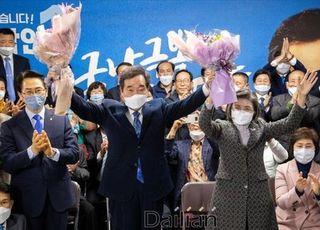"""[데일리안 여론조사] 차기대권, 여권 """"이낙연"""" 44%…야권 """"없음"""" 38%"""