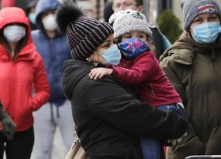 미국에서 난민촌까지…전 세계 코로나는 현재진행형