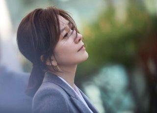 [D:너의 얼굴은] 놓치지 않을 거예요…'특급 매력' 김희애