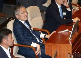 """'피고인' 최강욱의 법사위 신청…조수진 """"국회 정신 나갔단 소리 들을라"""""""