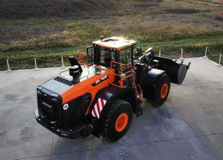 두산인프라코어, 차세대 휠로더 'DL-7' 시리즈 출시