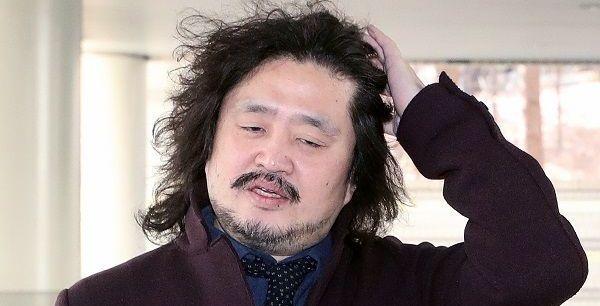 [기자의 눈] 지긋지긋한 김어준의 '음모론'과 문빠들의 '비이성'