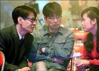 """""""왜 또 그인가""""…文대통령, 탁현민이 절실한 이유"""