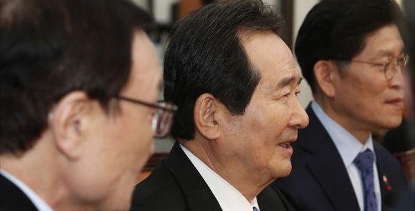 '전북 어른' 정세균 만찬…민주당 전북 의원들 모두 모였다