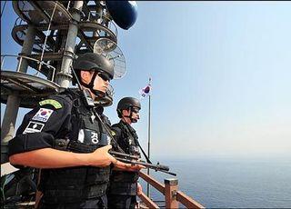 훈련 연기 잇따랐던 軍…'태안 밀입국 보트' 13번 감지하고 놓쳤다