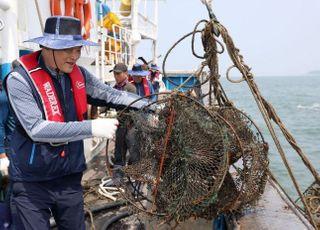 수협, 어업인과 함께 바닷 속 쓰레기 수거 나선다