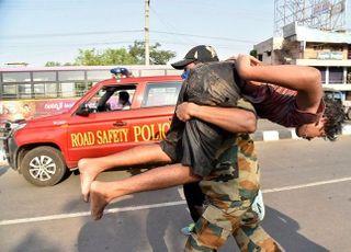 인도경찰, LG폴리머스 가스사고 한국인 직원 2명 구속 수감