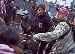 '#살아있다' 3주 연속 박스오피스 1위…예매율 1위는 '반도'