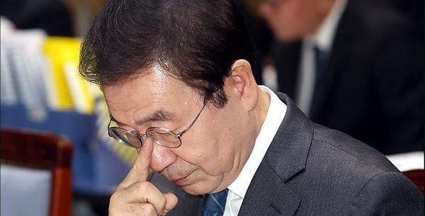 '세 가지 충격과 한 가지 의문'…박원순 고소인측 기자회견