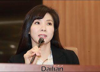 """'미투 상징' 서지현 검사, 박원순 성추행 의혹에 """"한 마디도 하기 어렵다"""""""