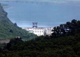 """북한, 남북합의 또 무시하고 황강댐 방류…통일부 """"불행한 일"""""""
