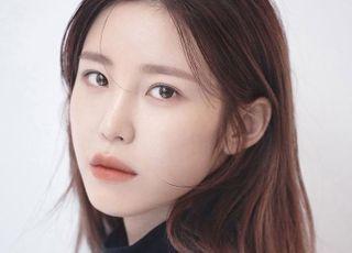 [D:FOCUS] 전효성, 가수·배우·DJ 이어 '에세이 작가'로…성공적 변신