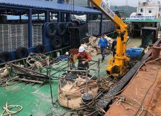 해수부, 집중호우 발생 해양쓰레기 긴급 수거·처리