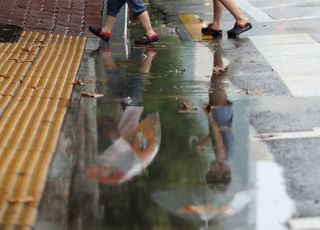 [내일 날씨] 중부지방에 또 비…전국 대부분 '폭염특보'