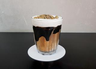 더위 식혀줄 시원한 흑임자가 있는 서울카페 5
